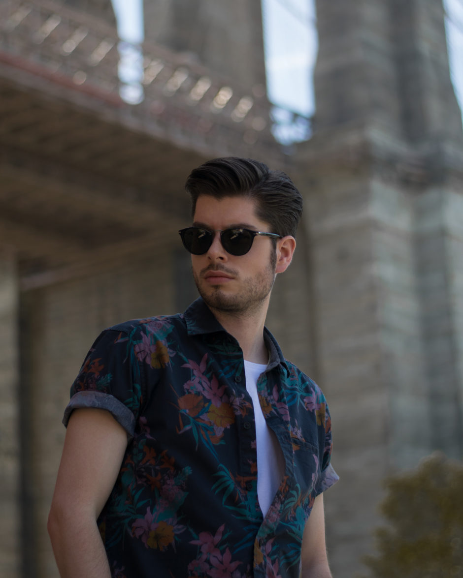 Printed shirt for men. New York city look for this summer..